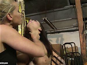 Kathia Nobili whip the tongue of bombshell lady