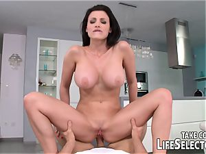 Meet Aletta Ocean and be clever to nail her