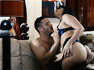 licking out beautiful cougar Mercedes Carrera