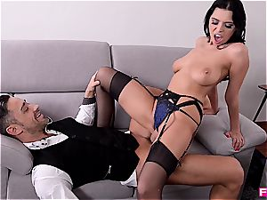 Kira queen is the sir of man rod railing