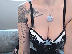 Geiler Striptease von webcam lady NinaDevil