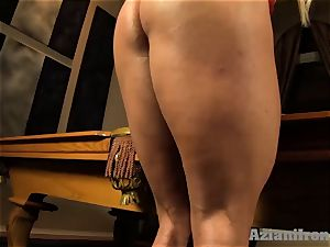 Buff blondie plunges huge glass dildo in her puss
