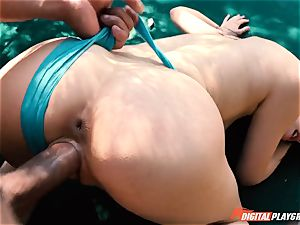 Aria Alexander romped in her cute mini poon outdoors