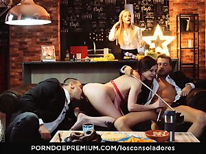 LOS CONSOLADORES - Cassie Fire heavy couple 4 way