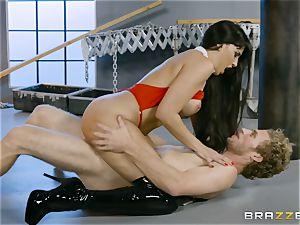 scorching vampire babe Mercedes Carrera rails hard bone