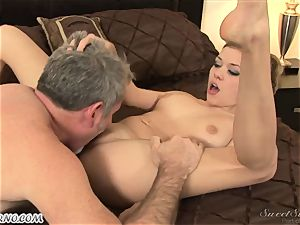 dad penetrates his youthful stepdaughter Nicole Ray